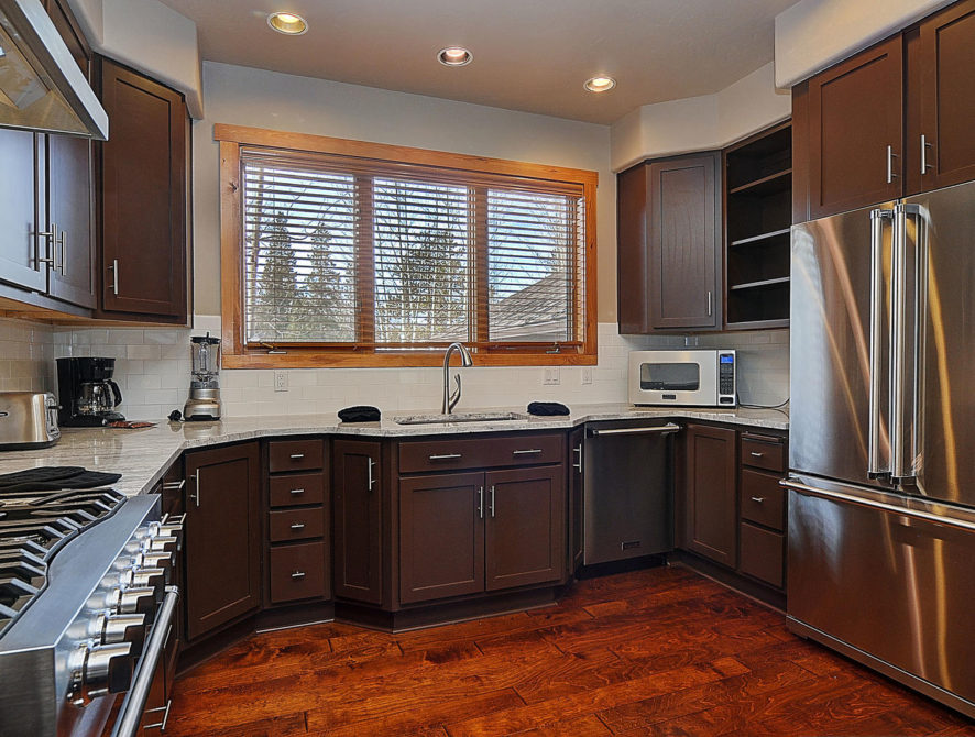 120 Marks Lane Breckenridge CO-large-018-45-kitchen3-1500×996-72dpi
