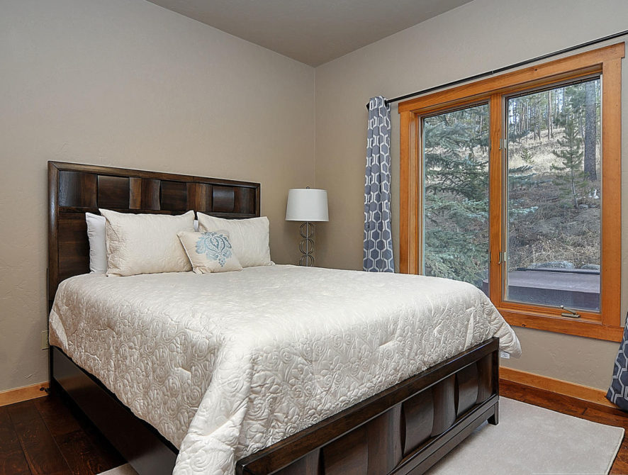 120 Marks Lane Breckenridge CO-large-019-5-bedroom1-1500×976-72dpi