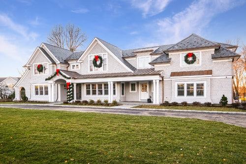 Holiday Entertaining home Features