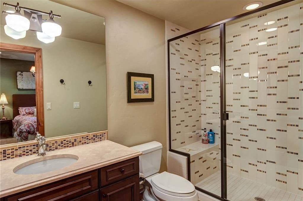 49 White Cloud Guest Bath 2