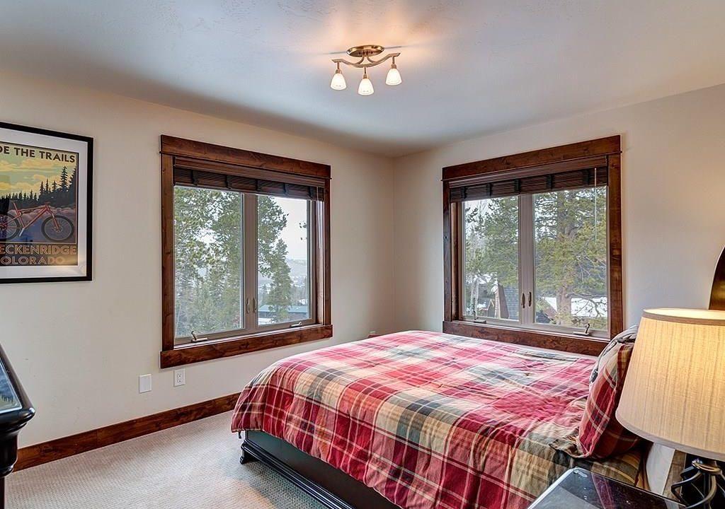 411 Shekel Guest Room