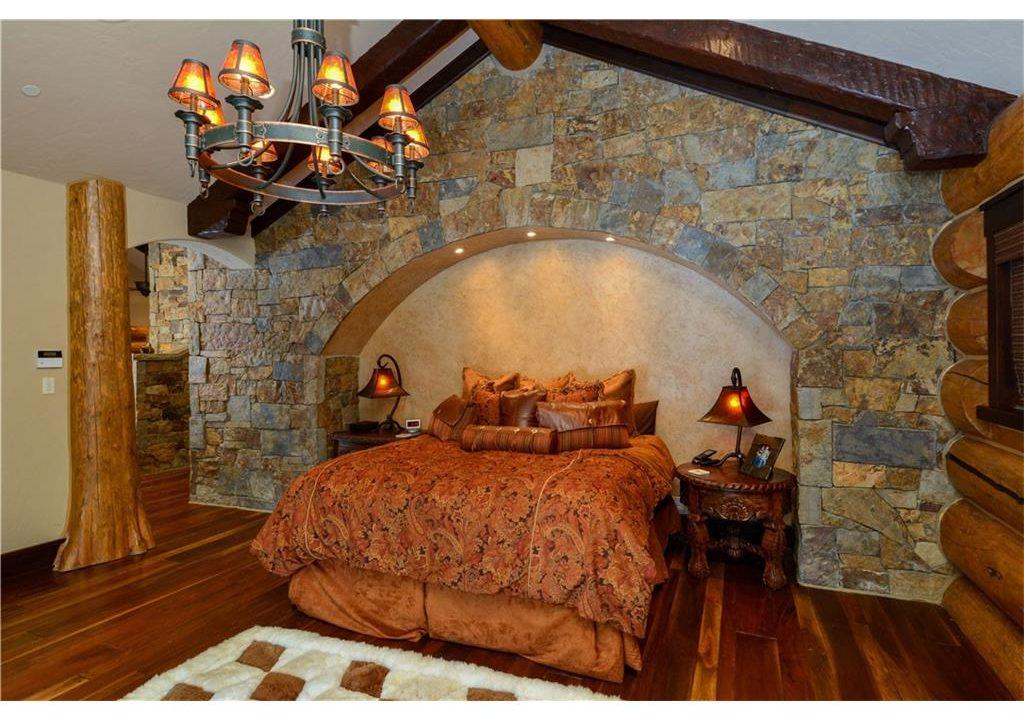 567 Latigo Trail Bedroom