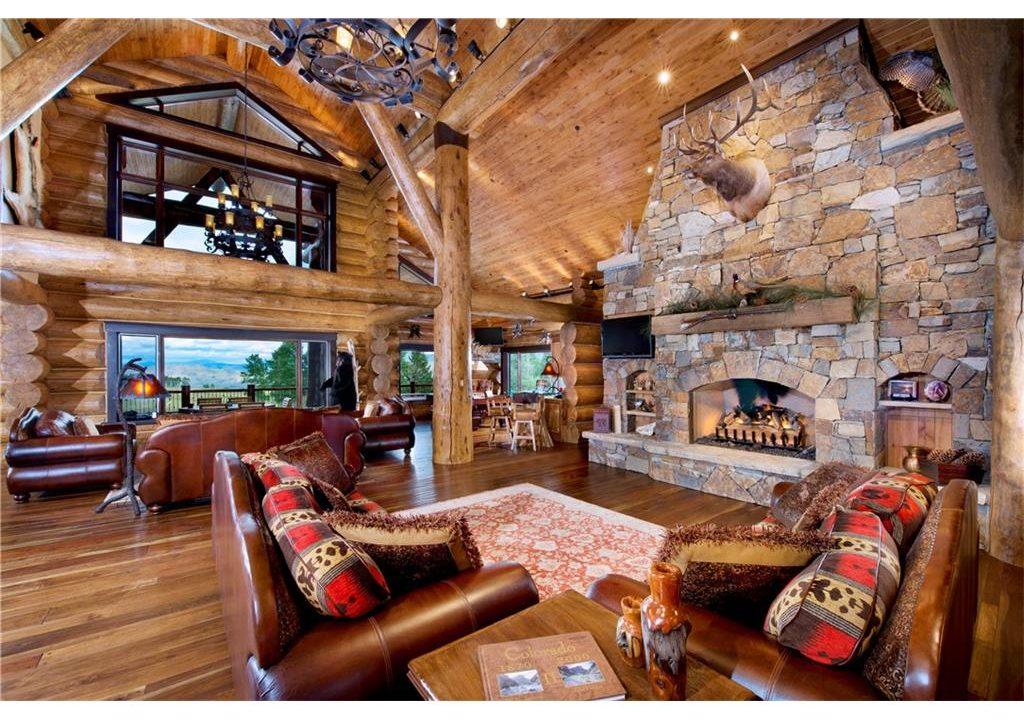 567 Latigo Trail Great Room